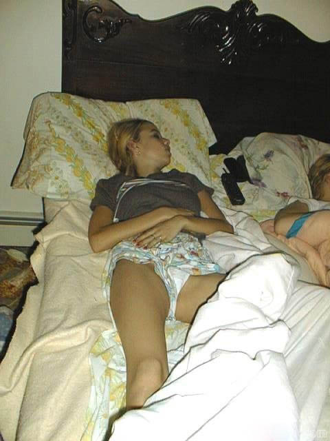 Секс спящие девушки фото аналог