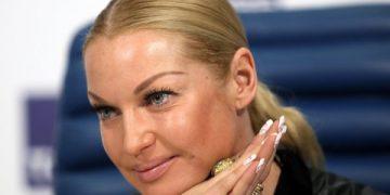 Анастасию Волочкову сравнили с трансвеститом