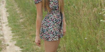 Девушки в платьях (160 фото). Красивые и очень откровенные платья на юных и взрослых девушках