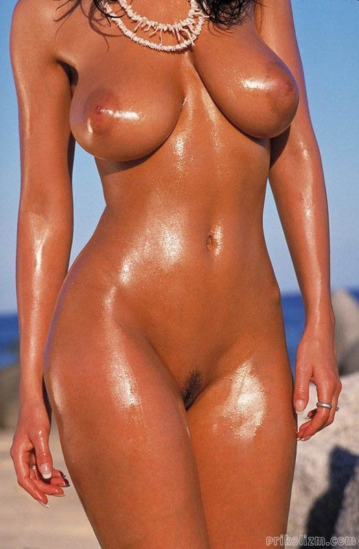 cybersex-seksy-tanned-naked-girl-pee-hole-sasha