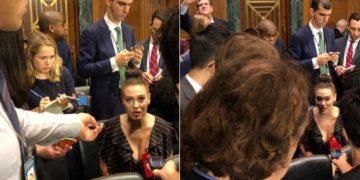 Алиссу Милано пристыдили за очень глубокое декольте на слушаниях о домогательствах (5фото)