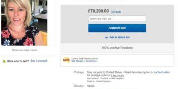 Парень решил продать свою девушку на eBay (4 фото)