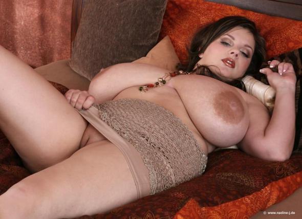 Голая баба с большими сисяндрами