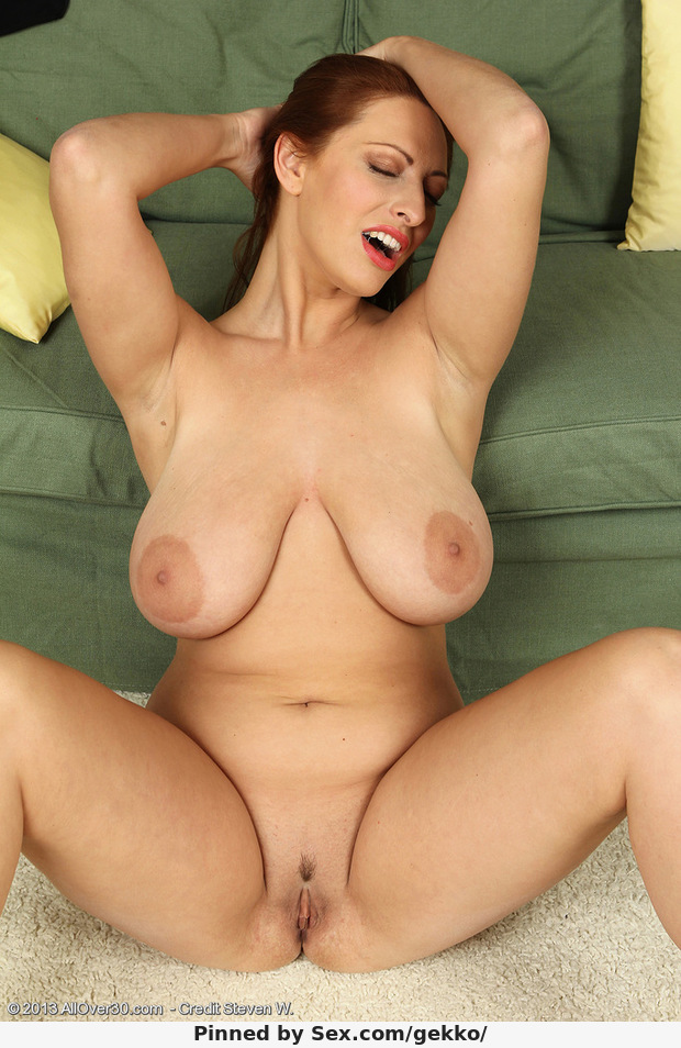 Big tit milf home clips