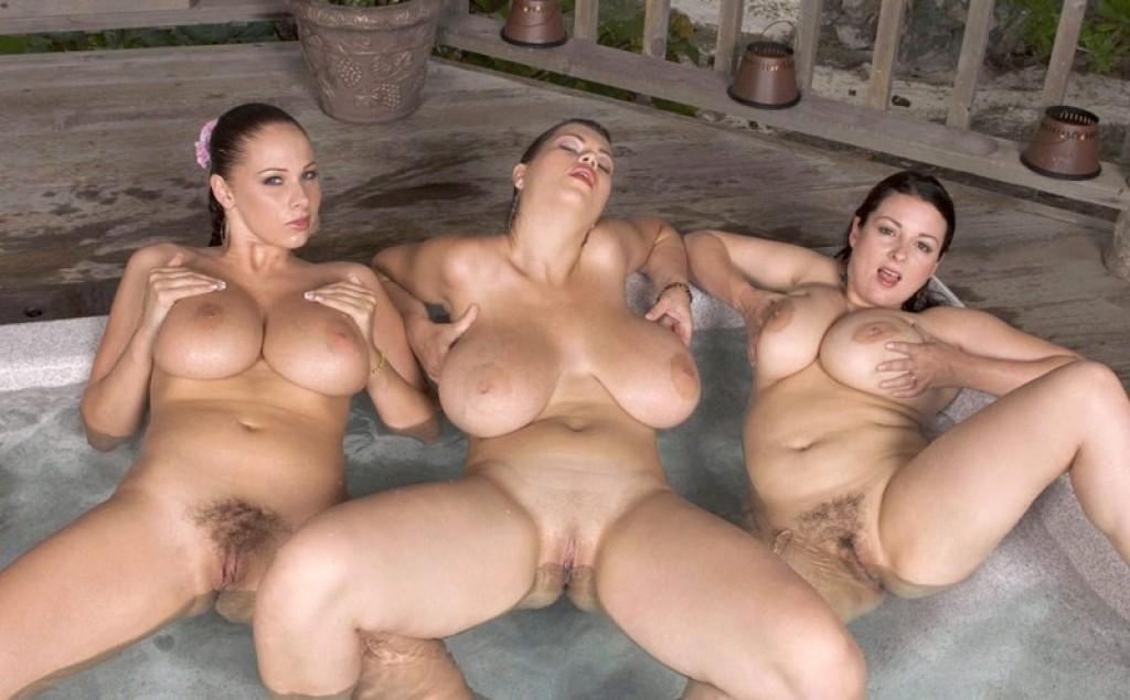 девки с большими титьками порно фото