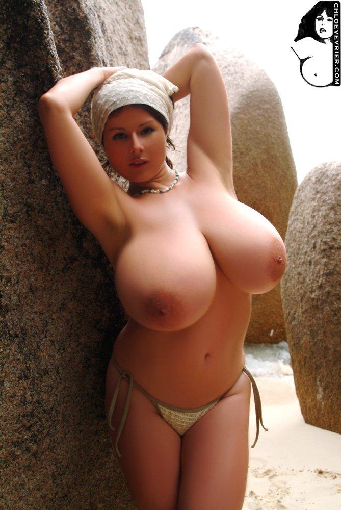 голые телки с грудями большими