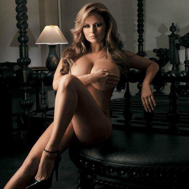 Фото обнаженной российской знаменитости - Анны Семенович