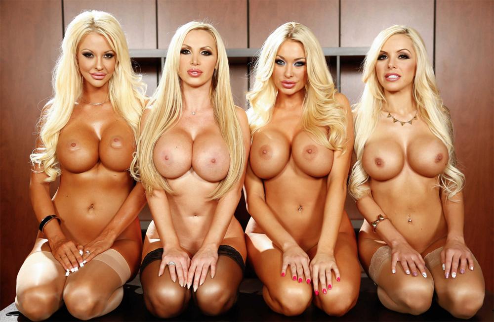 Четыре голые блондинки с большими силиконовыми сиськами