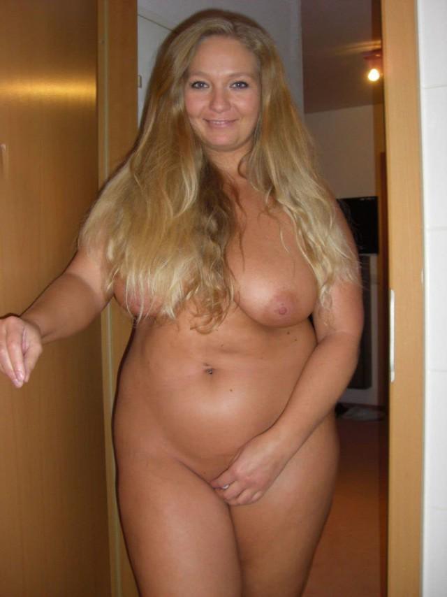 Русская красавица с большими сиськами и огромной жопой