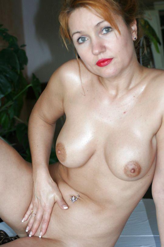 Частное фото голые зрелые женщины соска порно