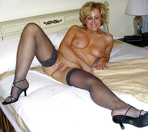 Домашнее фото блондинки