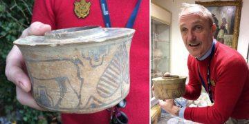 4000-летний сосуд по незнанию использовали как держатель зубных щеток