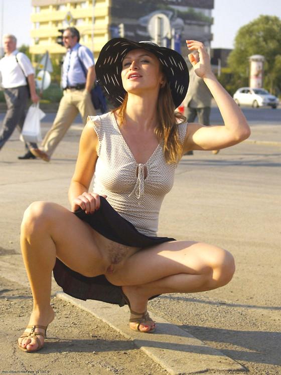 Дама в шикарной шляпе