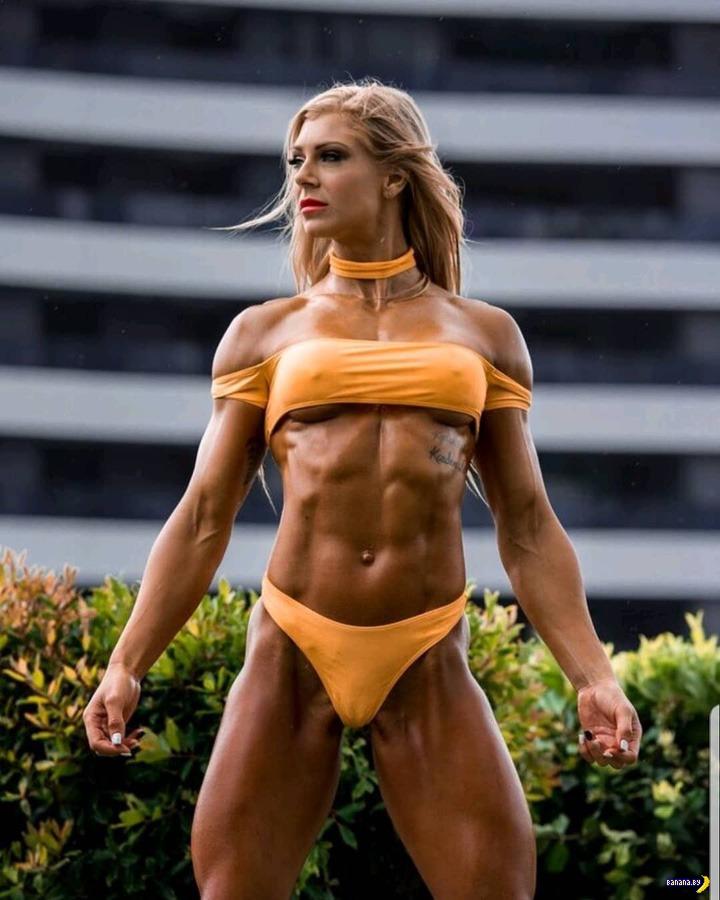 Стройные и очень спортивные девушки (26 фото)