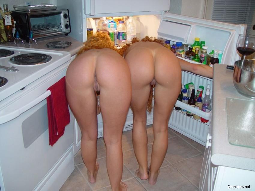 Голые девушки и женщины. 150 фото сексуальных девок и баб