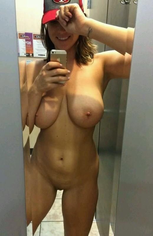 Большие голые груди