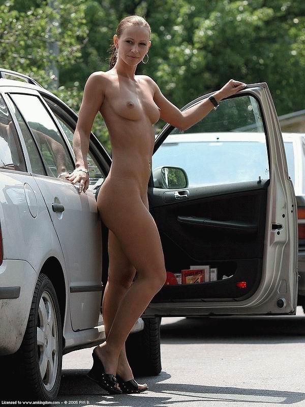 Девушки нагишом и авто — pic 4