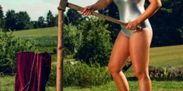 Немецкие девушки в фермерском календаре на 2019 год (12 фото)
