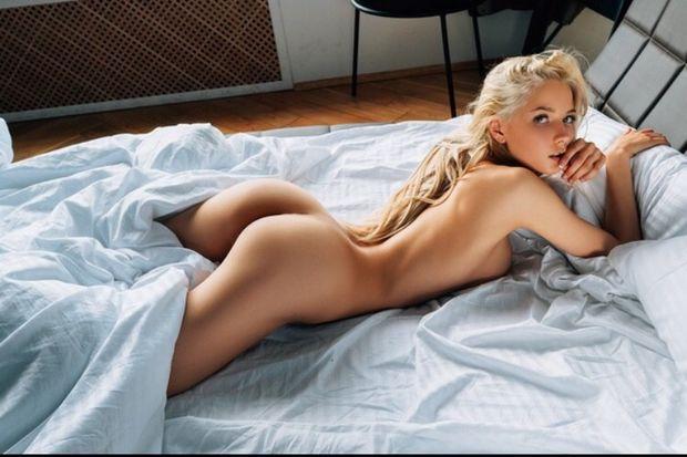 Красивые эротические фото девушек (20 фото)
