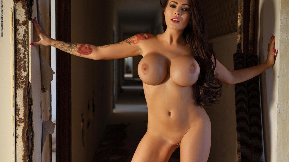 Обнаженные модели с большой грудью порно