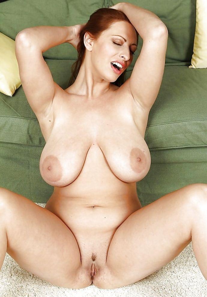 Русская женщина с огромной грудью