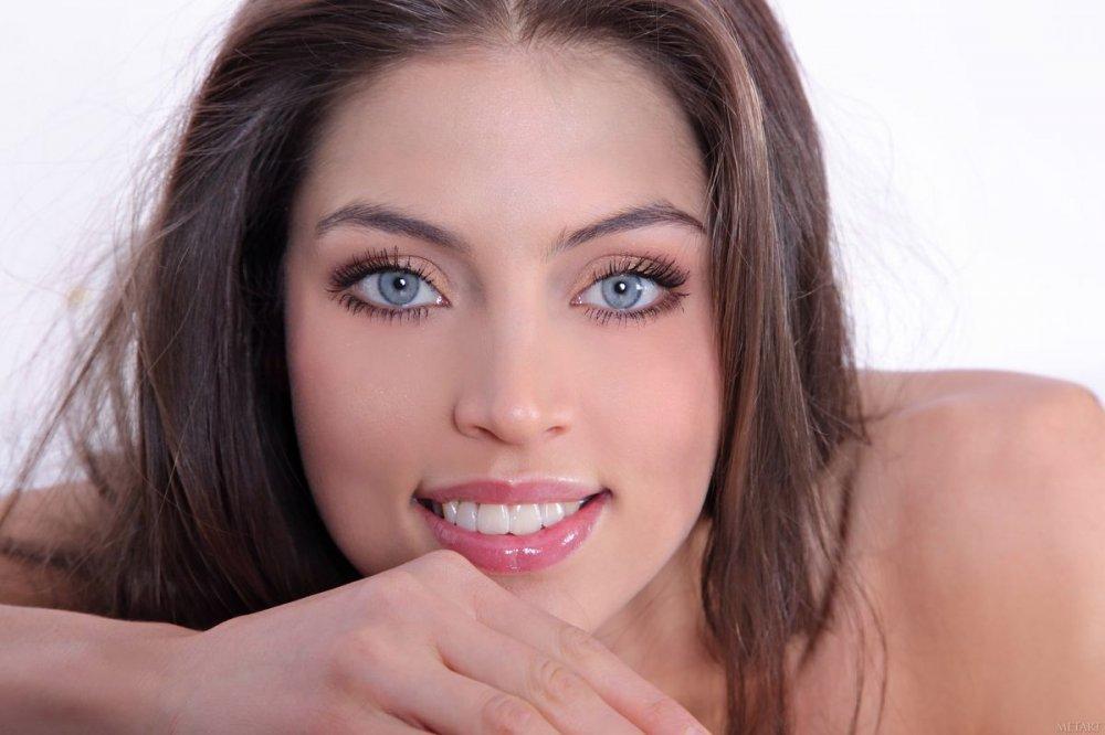 Обалденный глаза и улыбка