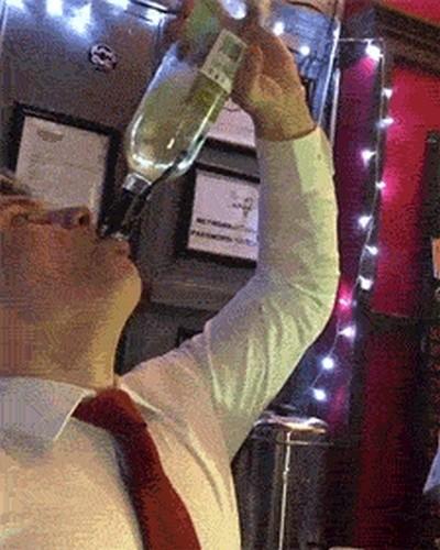 Люди, которые не знают меры в алкоголе (14 гифок)