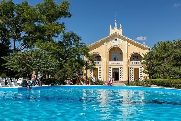 Лучшие семейные отели и дома отдыха в Евпатории