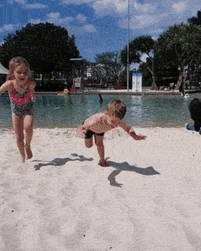 Детские фейлы в гифках (17 гифок)