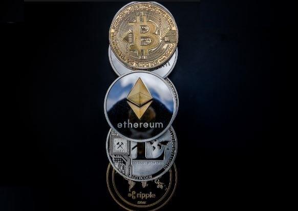 криптовалюта в онлайн казино Восток